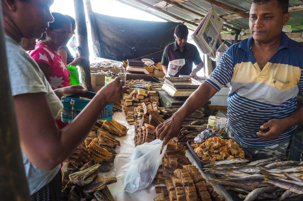 Fish Market, Sri Lanka - Travel photographer
