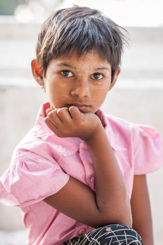 Girl, Burma - Travel photographer