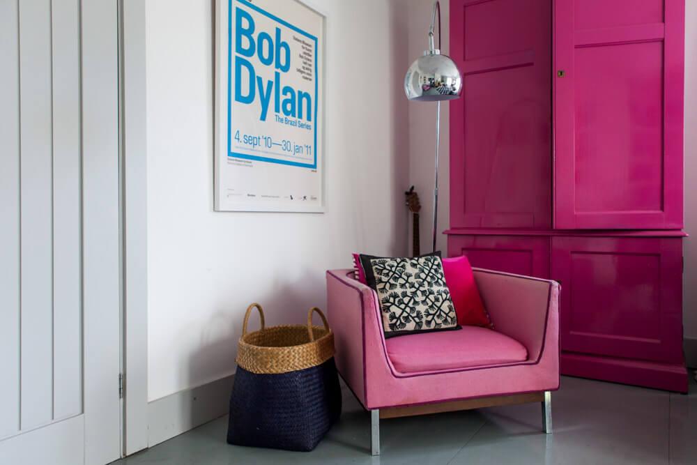 Interiors Photography Dorset-Lara Jane Thorpe- pink chair
