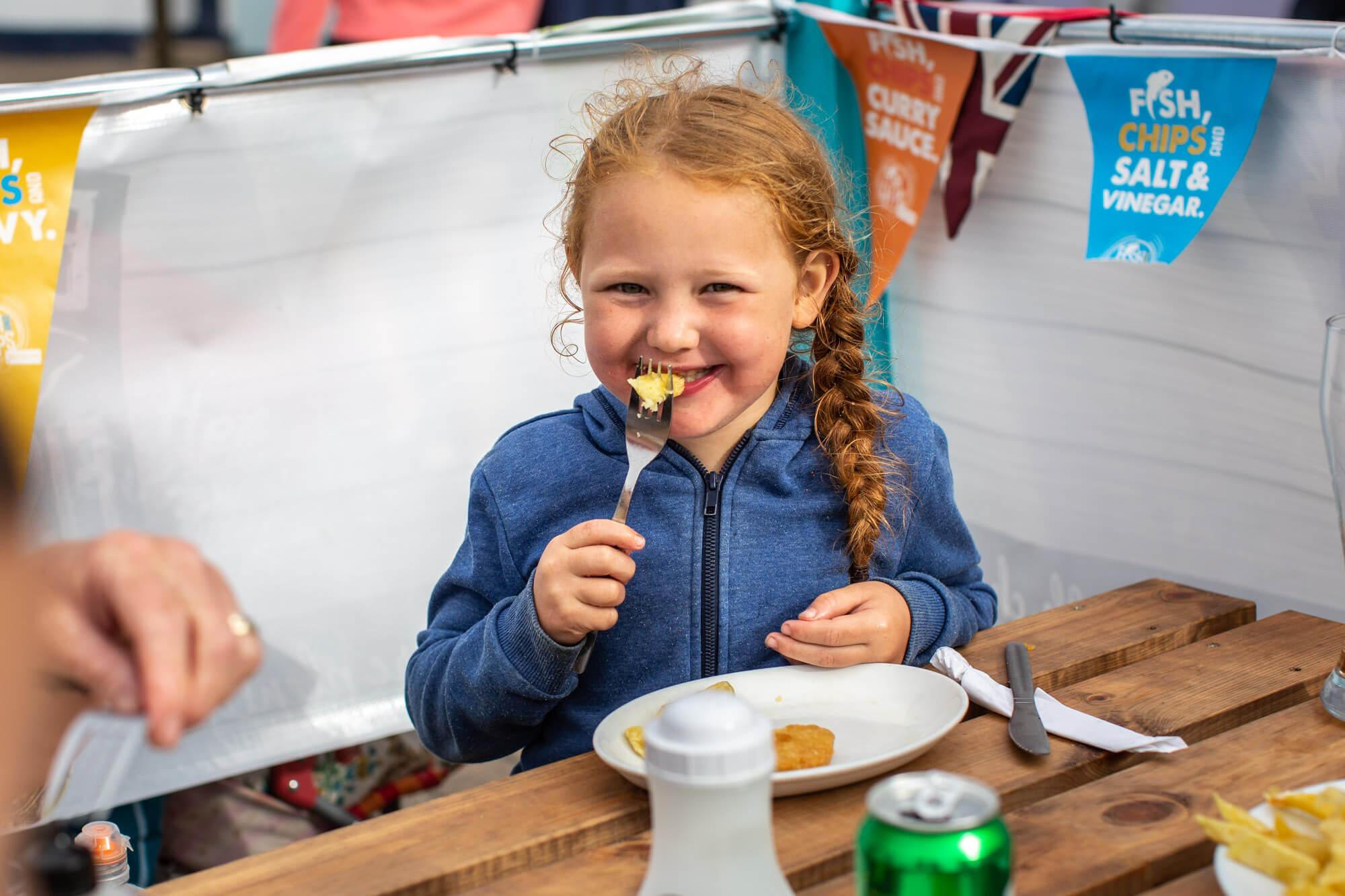 Lara Jane Thorpe -Lifestyle Photography Dorset-fish & chips