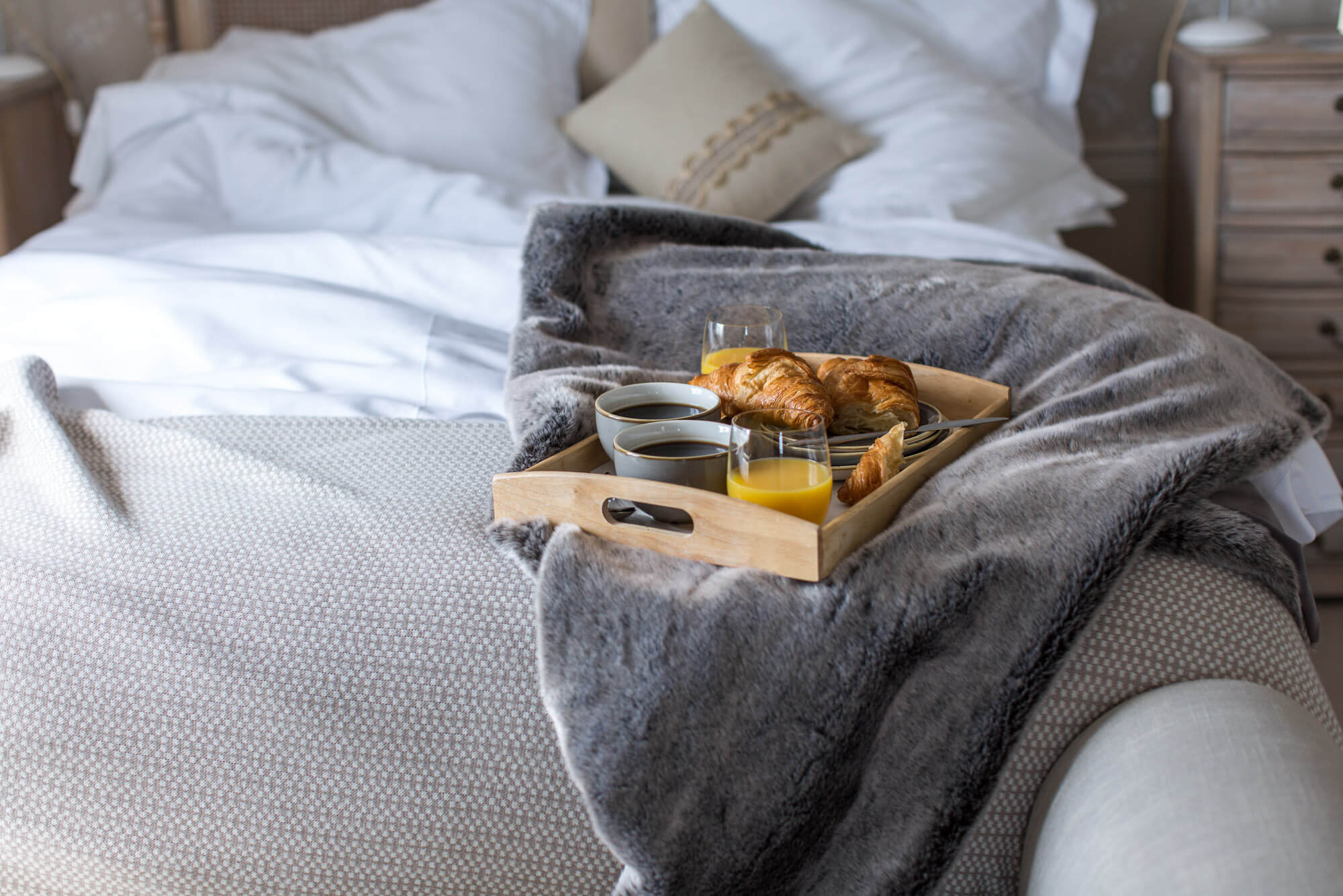 Lara Jane thorpe - commercial photography dorset -breakfast in bed