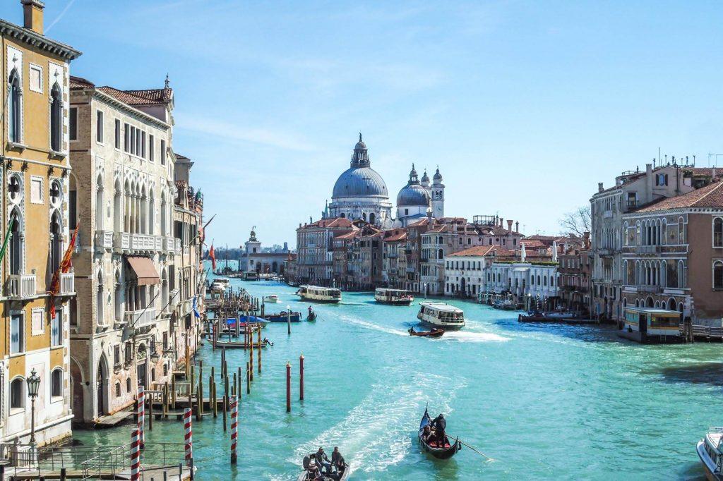 Waterway, Venice - Travel photographer